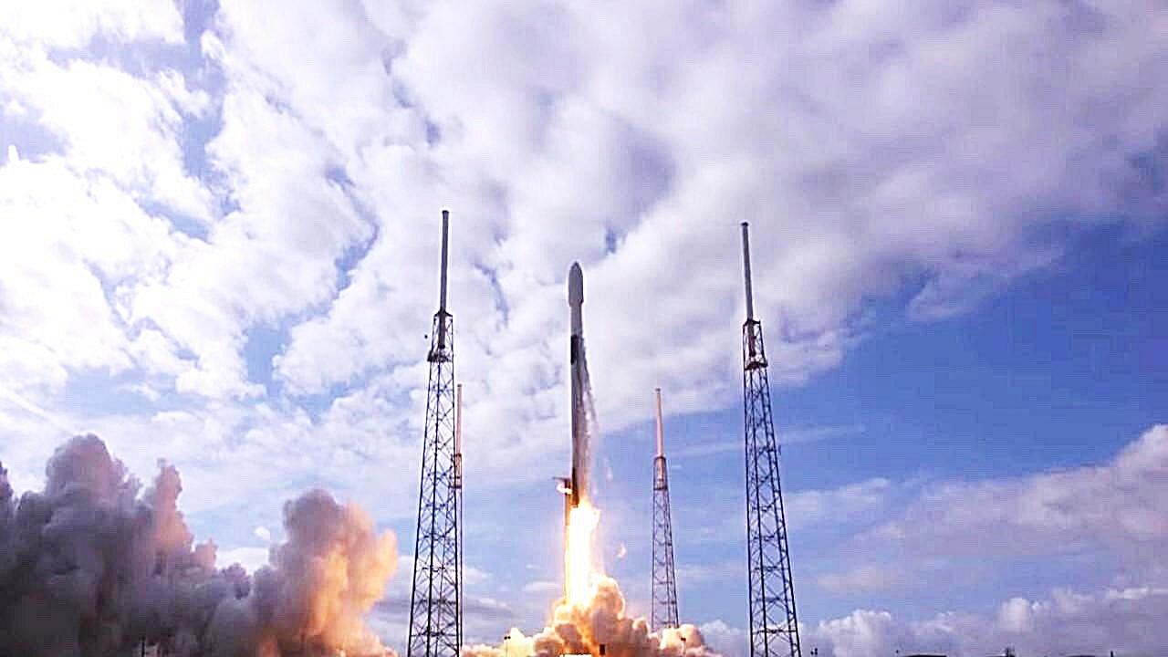 放眼深太空   中大與陽翼簽備忘錄  2023參與登月...